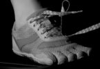Slow-motion camera footage showed that shoe lace knot failure happened in a matter of seconds, triggered by a double whammy of stomping and whipping forces. Image: Oliver M.O'Reilly/UC Berkeley