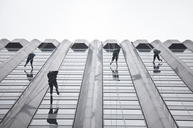 Mieke Fowles, Lewis Martin, Lucinda Phillipson and Hannah Yoon as the abseil down a Melbourne skyscraper on April 29, 2017. Photo: Elizabeth Clancy