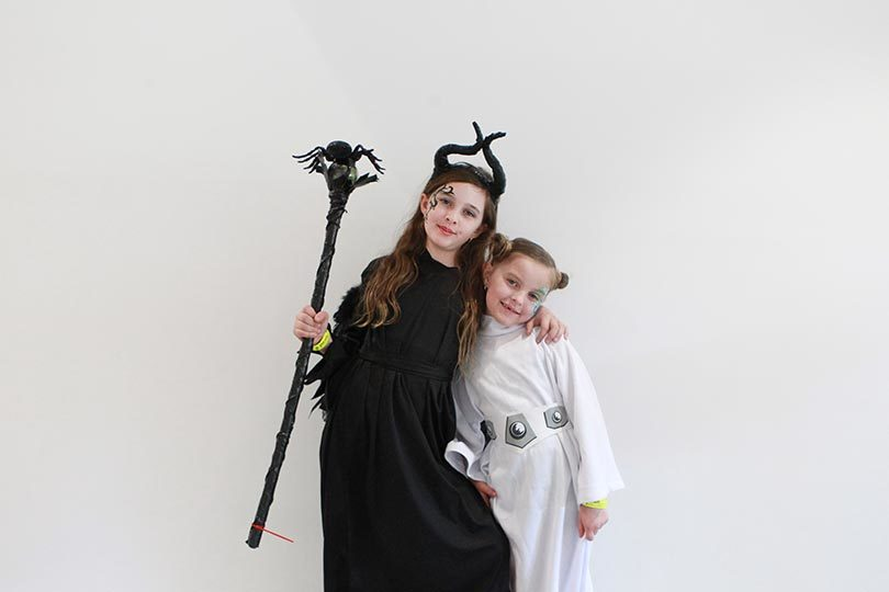 Angelina, 9, dressed as Maleficent and Layla, 6, dressed as Princess Leia from Star Wars for the 2017 Oz Comic-Con in Sydney. Photo: Jacky Ghossein